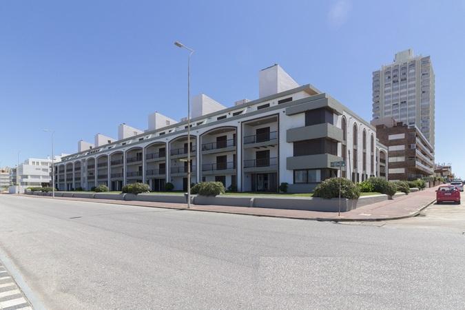 1574112042__mg_8629_edificio_farallon_punta_del_este