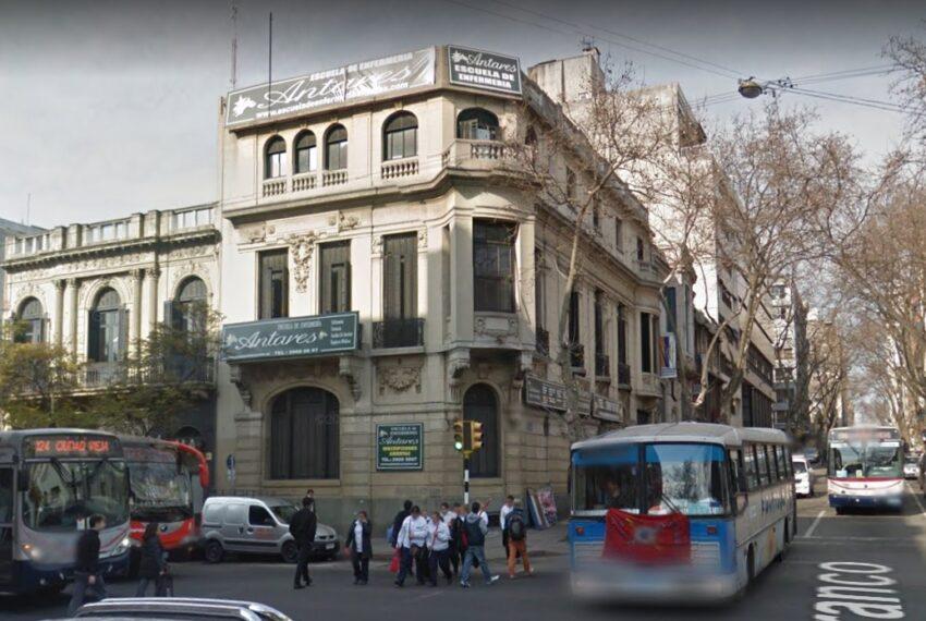 fachada x Uruguay esq. Río Branco