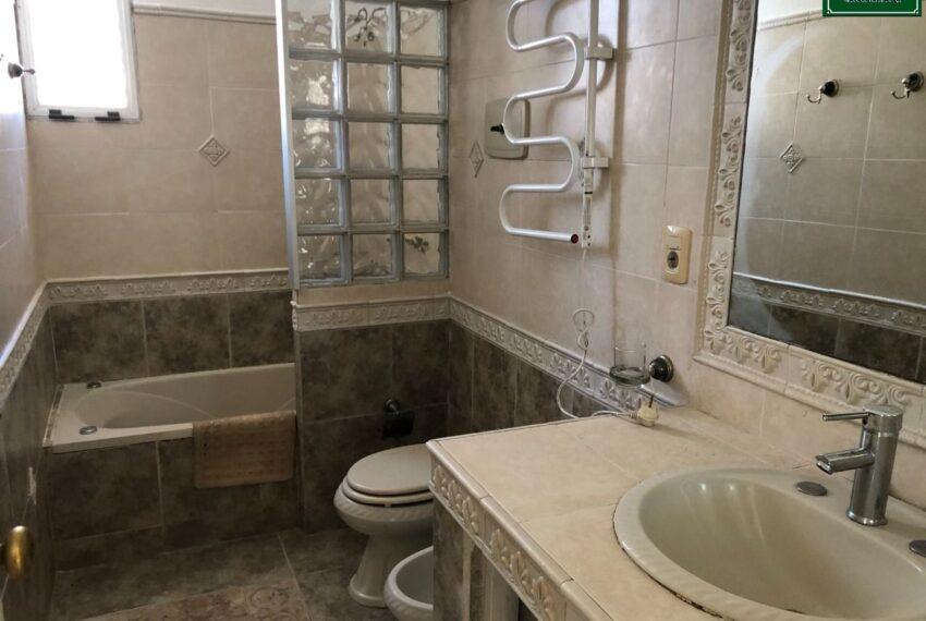 baño Ancona y Av. Italia